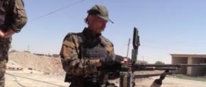 """""""Combattiamo in prima linea contro l'Isis"""". Chi sono i volontari italiani (VIDEO)"""
