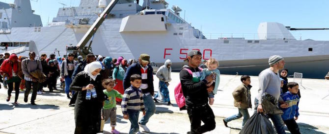 Migranti, la Bonino inchioda Renzi: fu il suo governo a siglare un patto scellerato con l'Ue