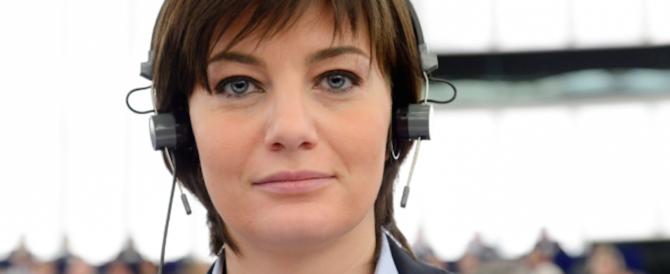 """Nasce il blog """"la forza delle donne"""". Comi: «Aiutiamo le vittime di stalking»"""