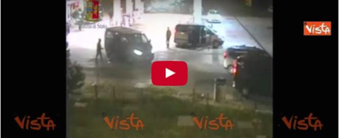 Arrestati ultras del Napoli: aggredirono tifosi juventini dopo Roma-Juve (video)