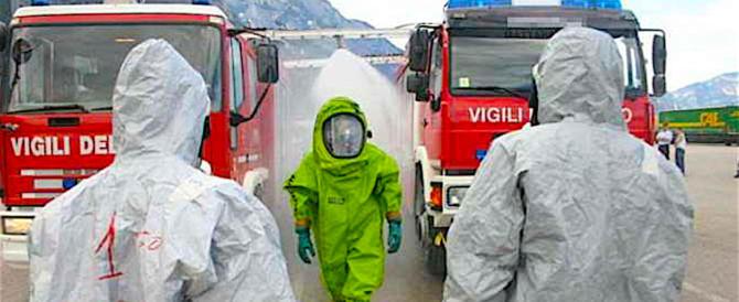 Brucia ancora il deposito dei rifiuti ad Alcamo, c'è il rischio diossina