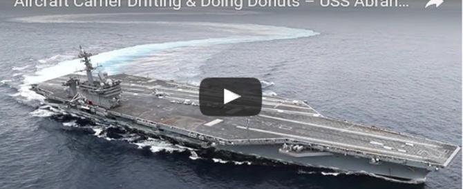 Le grandi manovre della portaerei Lincoln: virata da brivido (video)