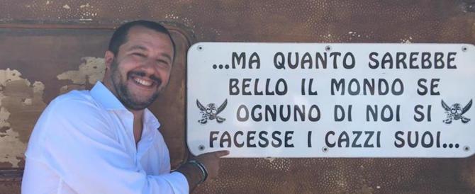 Spiaggia fascista, arrivano legioni di clienti. Oggi la visita di Salvini
