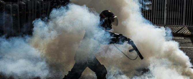 Venezuela, i fedelissimi di Maduro tentano un contro-golpe al parlamento