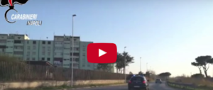 Rivolta di profugi in una casa famiglia: 8 minori sequestrano il responsabile (video)