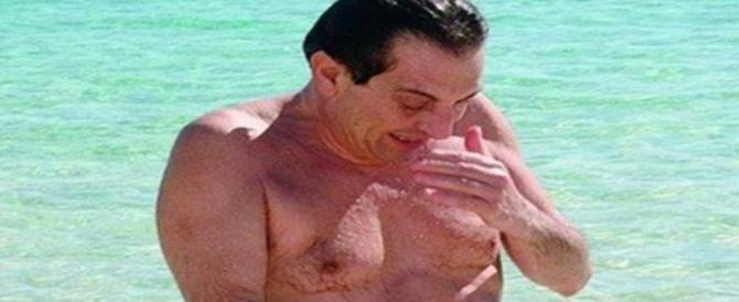 """Le Iene inseguono Crocetta al mare e lui grida alla """"libertà violentata"""""""