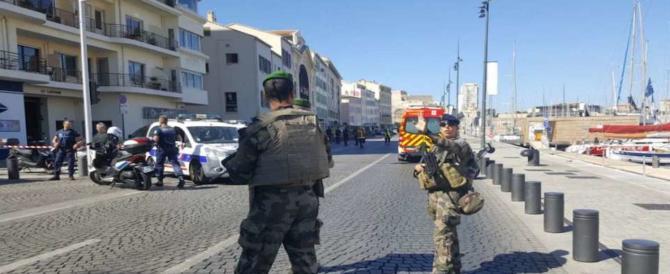Terrore a Marsiglia: furgone contro fermata autobus, morta una donna