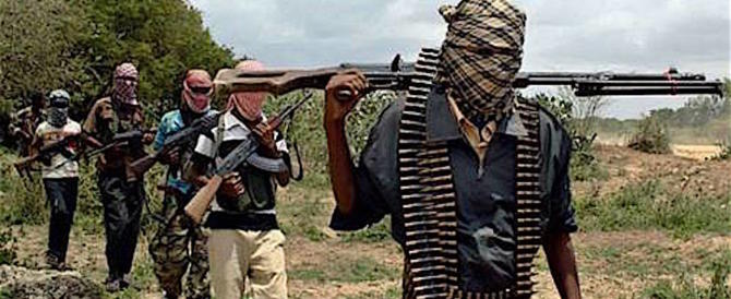Nigeria, gli islamici di Boko Haram mettono a ferro fuoco un villaggio