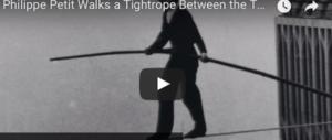 43 anni fa la folle impresa di Petit: a spasso su un filo tra le Torri Gemelle (video)