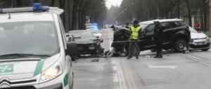 Ubriaco al cellulare tampona e uccide un 31enne a Milano: il pm chiede il carcere