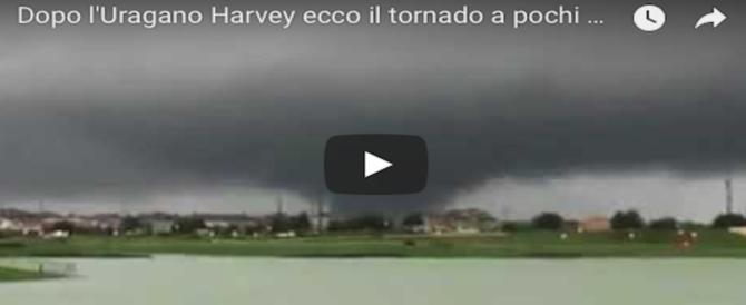Harvey inonda una fabbrica chimica: si teme l'esplosione. Evacuata tutta la zona (VIDEO)