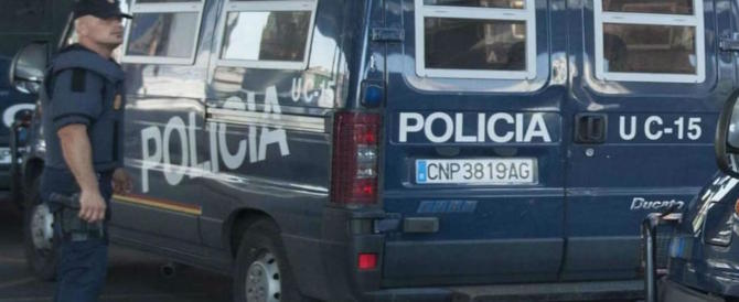 Spagna, i terroristi comprarono asce e coltelli 3 ore prima di Cambrils: tutti i dettagli