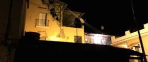 Terremoto a Ischia, un testimone: «Un gran botto, poi il black out»