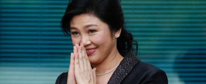 Thailandia, il giorno del verdetto l'ex premier alla sbarra diserta l'aula: è fuggita