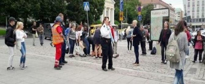 """Finlandia, 2 morti a Turku. Accoltellati da un uomo che urlava """"Allah Akbar"""""""