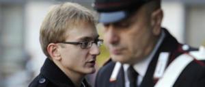 Alberto Stasi, è polemica: gli danno 1000 euro al mese in carcere