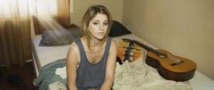 Amante nero sotto al letto della bionda: ecco dove è nata la bufala ripresa dal Corriere