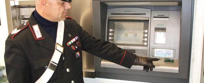 Allarme bancomat: come evitare truffe e clonazioni. I consigli dei carabinieri (VIDEO)
