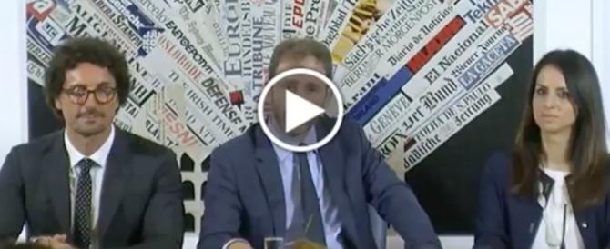 """""""Casaleggio, chi ti ha eletto?"""" Il giornalista spagnolo smaschera il M5S (VIDEO)"""