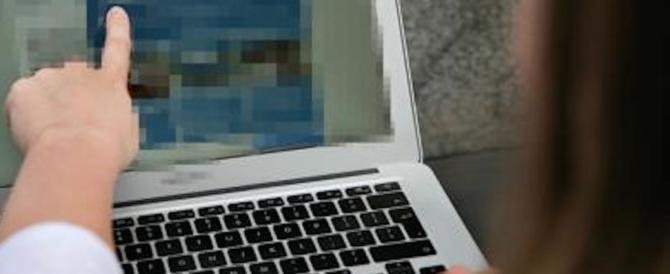 Viaggiare in aereo, attenti ai biglietti gratis sul web: è una trappola