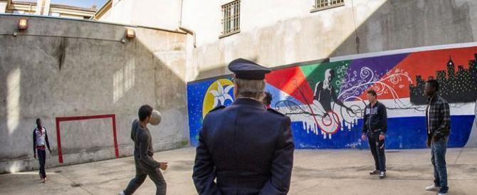 """Torino, detenuto tunisino evade: era in permesso premio per """"fare shopping"""""""