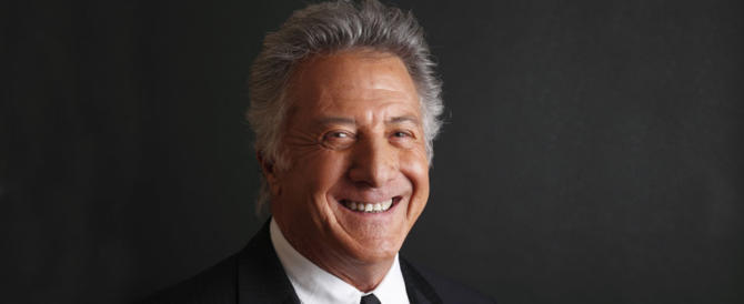 Accusato di molestie sessuali su una 17enne: anche Dustin Hoffman finisce nella polvere