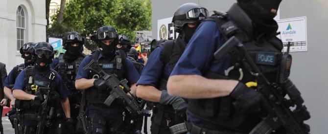 «Anche l'Italia è sotto attacco. Ora è necessaria una Fbi europea»