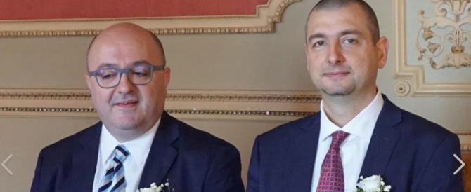 """Lombardia, indagato funzionario gay del Pirellone. """"Ha rubato un milione per amore"""""""