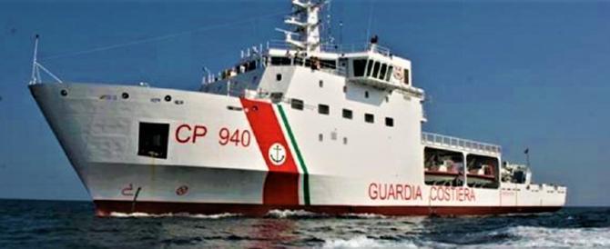Indecente, ora la nostra Guardia Costiera fa da taxi alle Ong. Gasparri: meno sbarchi, più manette