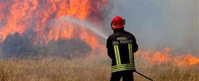 Pompiere di Pavia appiccava incendi per noia: «Mi piaceva sentire le sirene»