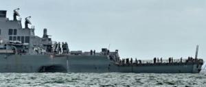 Incrociatore Usa si scontra con un cargo mercantile: dieci dispersi