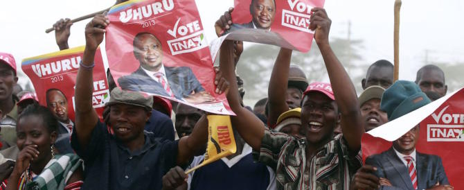 Kenya: in testa l'uscente Kenyatta, si grida al broglio. Si temono incidenti