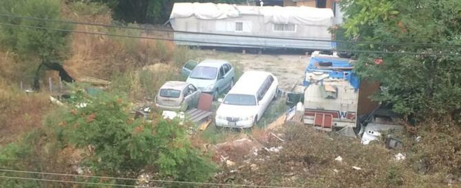 Sempre più impuniti: limousine nel campo nomadi. La gente esasperata