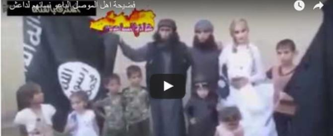 Drammatico matrimonio di una giovane sotto le bandiere dell'Isis (video)