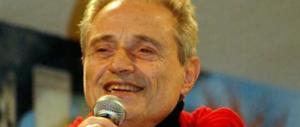 Amedeo Minghi in ospedale per un'intossicazione: saltano i concerti