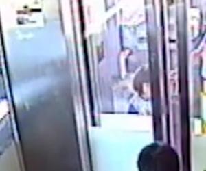 Il passeggino cade sulle rotaie del treno. In Australia incidente da incubo (video)