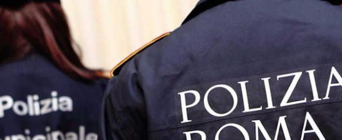 Ladro maldestro sbaglia sede e porta la refurtiva negli uffici della polizia