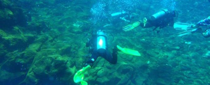 S'immerge per una battuta di pesca: subacqueo disperso. Ricerche in corso da 24h