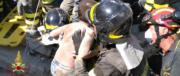 Ischia, i vigili del fuoco estraggono vivo uno dei bimbi: «È Mattias»