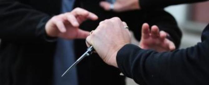 Terrorismo in Francia, armato di coltello cerca di entrare alla Tour Eiffel