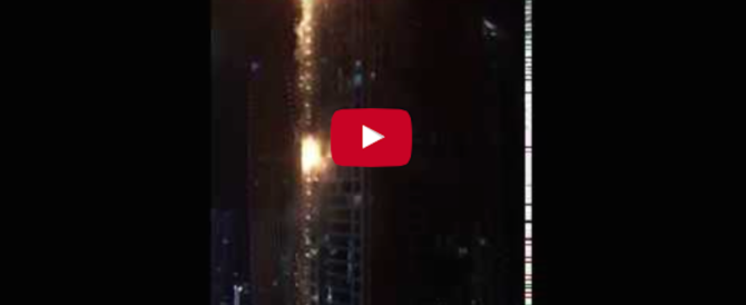 Notte di paura a Dubai: di nuovo a fuoco la Torch Tower (video)