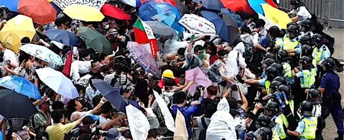 """Cina, carcere e non servizi sociali per i leader del """"movimento degli ombrelli"""""""