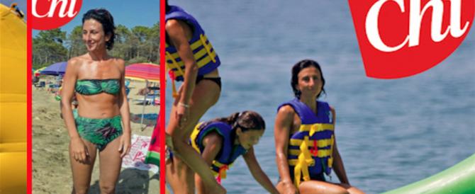 "Le (finte) vacanze low cost di lady Renzi, ""sorpresa"" in bikini dal giornale di Berlusconi"