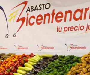 """Venezuela, video mostra la gente affamata che """"rapina"""" minimarket"""
