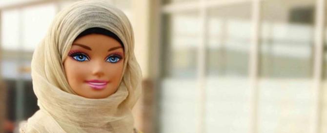 Arriva la nuova Barbie: recita brani del Corano con il velo islamico