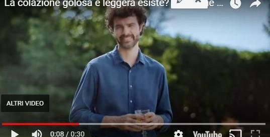 Pubblicità del Buondì, dopo la mamma l'asteroide fa fuori il papà (VIDEO)