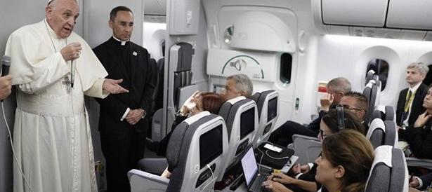 Migranti, il Papa a sorpresa: «I governanti valutino quanto posto ci sia»