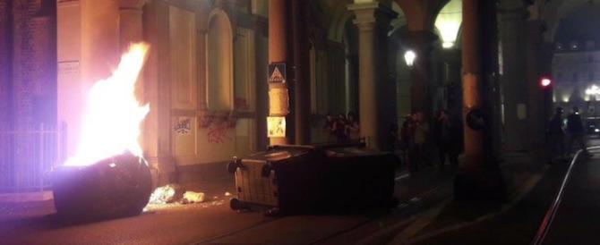 Notte di guerriglia a Torino contro il G7: feriti due agenti, tre fermi