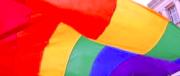Padre gay offre sesso con figlia minore in cambio di rapporto omosessuale