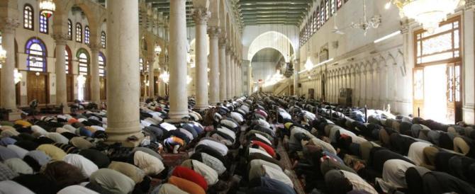 Il prete gesuita: «Non credete ai buonisti, l'Islam è una religione pericolosa»